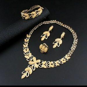 Jewelry - Elegant Gold Leaf Fashion Jewelry